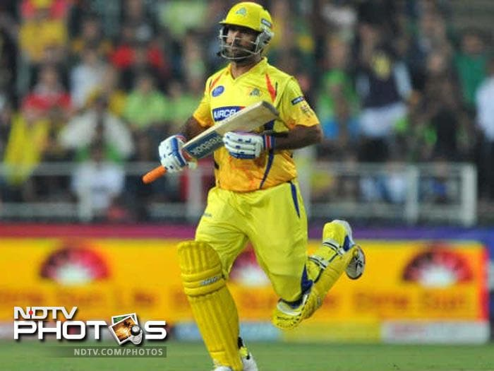 <b>Mahendra Singh Dhoni:</b> Led by their skipper Mahendra Singh Dhoni, the Chennai Super Kings boast of a good combination of players. Dhoni plays triple role, that of a wicketkeeper, the captain and a batsman. He will be the vital cog in the line up to lead the team by example.