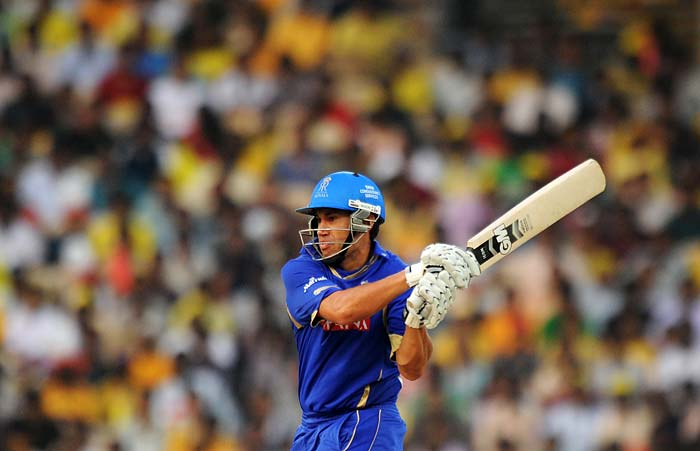 The rest of the batting could not build on Dravid's innings as apart from Ross Taylor who hit 20 of 14, the Royals only enjoyed single-digit contributions. They went on to set a target of 148.