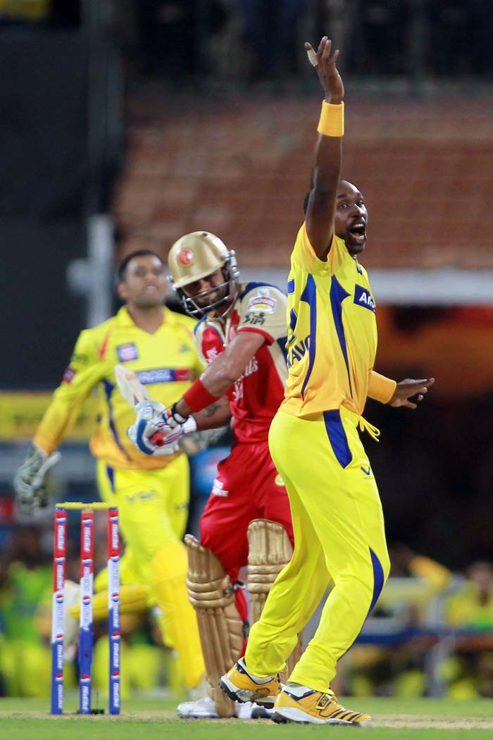 Chennai then struck again as Ashwin-Dhoni duo combined to out-fox the young Agarwal. Kohli, who played steady at a run-a-ball at this stage, was then joined by Ab de Villiers as Chennai looked to tighten the screws.<br><br> The Bangalore skipper had a let-off as umpire Anil Chowdhary could not hear a faint tickle off the bowling of Dwayne Bravo. Dhoni and Bravo looked bemused. (BCCI Image)