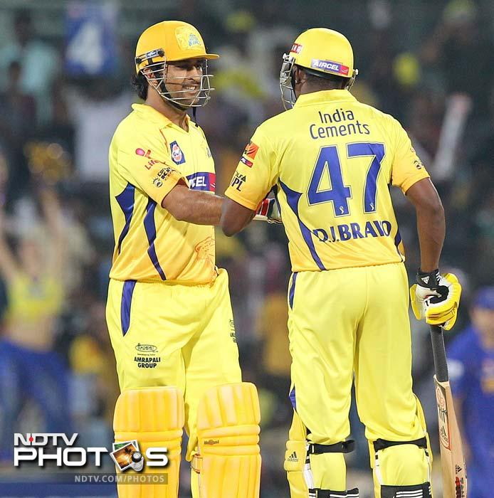 Chennai Super Kings beat Rajasthan Royals by 7 wickets on the last ball in Match 26 of IPL 5 at Chennai. (AFP PHOTO/Seshadri SUKUMAR)