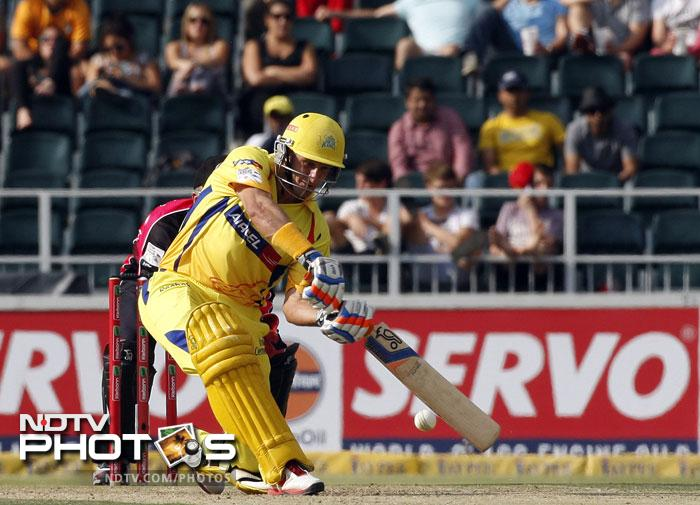A lot was hurled on the shoulders of Mr. Cricket who for once could not deliver up to his standards and was out for 16 off 19. Team was 3/67 when he left the crease caught by Lumb off O'Keefe.