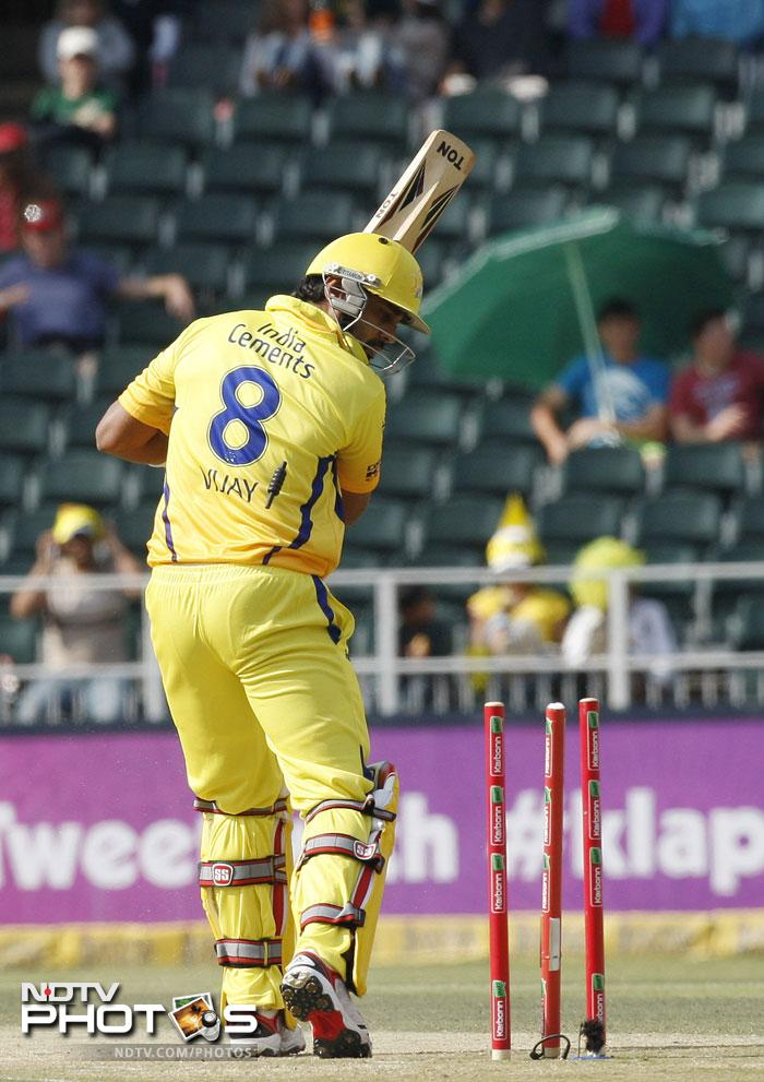 Chennai Super Kings did not start well in the massive chase of 186 runs with Murali Vijay cleaned up by a beautiful in-swinger from the ever growing-in-stature Mitchell Starc.