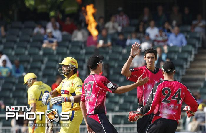 Mitchell Starc and Moises Henriques took 3 wickets each while Henriques, who was the man of the match too, also got a blistering 49 to lead Sydney Sixers to an easy win in the end.