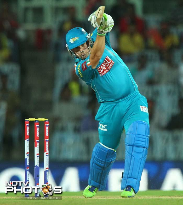 Aaron Finch scored 67 off just 45 balls to guide Pune Warriors India to 159/5 against Chennai Super Kings. (BCCI image)