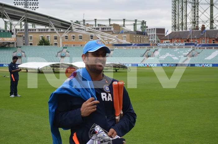 MS Dhoni looks relaxed after a good stint in training.