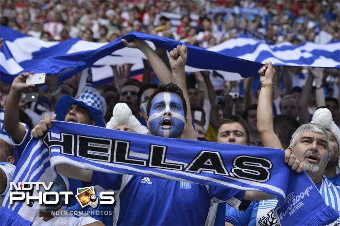 Despite the deficit, the Greece fans refused to give up hope.