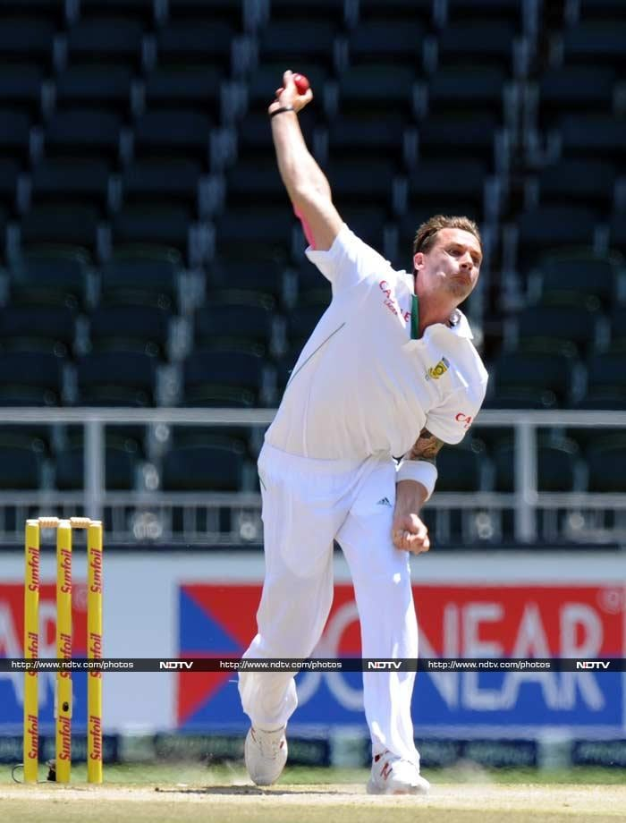 Once into the tail, Steyn's urgency only increased and he made Zaheer his fifth victim of the day.