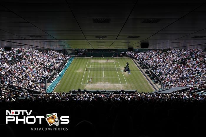 Day 10 at Wimbledon decided the 2011 women's Wimbledon finalists as Maria Sharapova and Petra Kvitova set up a title clash. (AFP Photo)