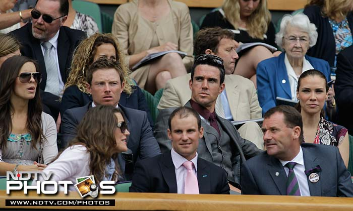 There was a lot of buzz in the spectators arena when cricketers Andrew Strauss, Kevin Pietersen, Ian Bell and former player Michael Atherton registered their presence here.