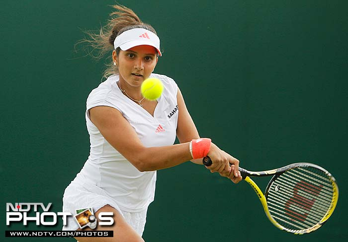 It was a bad day for the Indian contingent here as Sania Mirza surrendered to Virginie Razzano of France, 6-7 6-2 3-6.