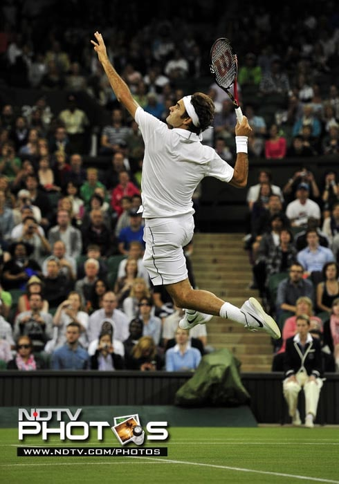 World No. 3 Roger Federer won in straight sets against French player Adrian Mannarino in the men's singles. (AFP Photo)