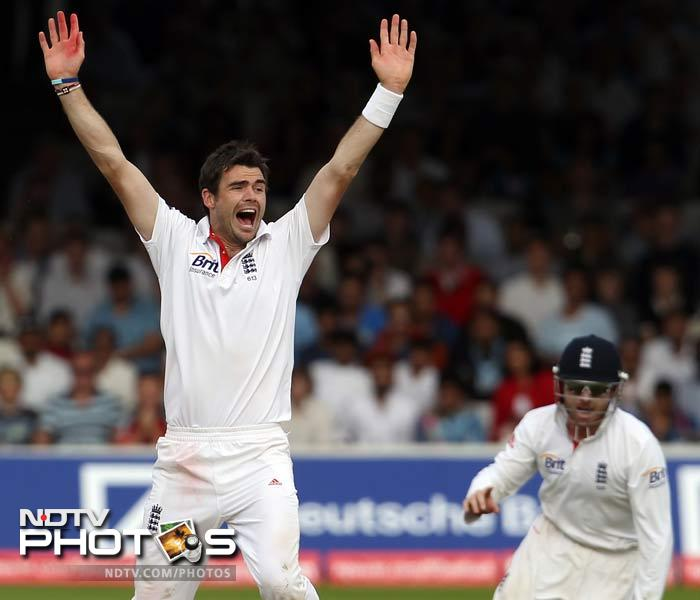 It was James Anderson who began what England had in mind. Wickets. He removed Rahul Dravid (34) to strike the first blow of the day.