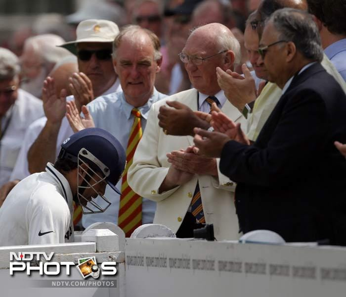 The dream of his 100th international century at Lord's ended but Tendulkar got another round of applause from the spectators here.