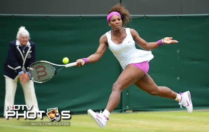 Wet conditions however, could not stop Serena Williams as she registered a 6-1, 2-6, 7-5 victory over Yaroslava Shvedova.