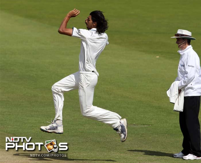 The bowling was steaming in now and the English batsman looked under pressure as a determined Ishant Sharma looked to dig his claws in.