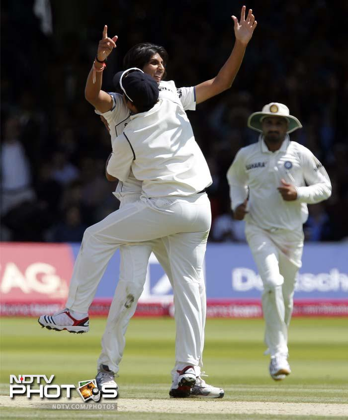 There was more success to come for Ishant however, as he followed KP's wicket with that of Ian Bell (0), getting the edge again and Dhoni showing his skill with the wicket-keeping gloves.