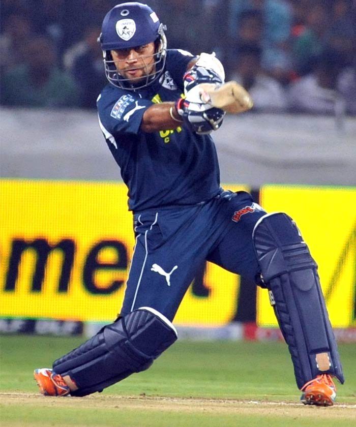 Deccan Chargers batsman Sunny Sohal plays a shot during the IPL Twenty20 cricket match against Kolkata Knight Riders at the Rajiv Gandhi International Stadium in Hyderabad. (AFP PHOTO)