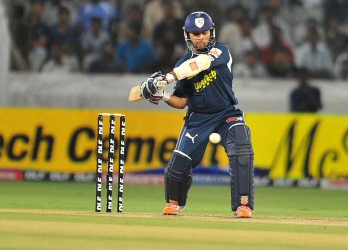 Deccan Chargers batsman Sunny Sohal plays a shot during the IPL twenty 20 match against Royal Challengers Bangalore at the Rajiv Gandhi International Stadium in Hyderabad. (AFP PHOTO)