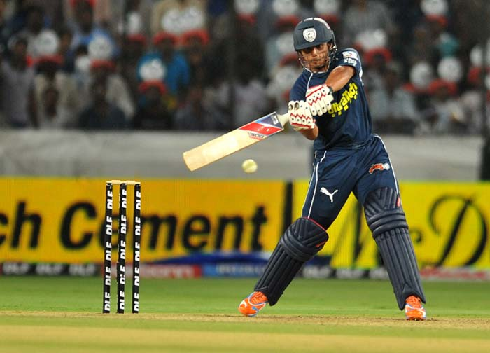 Deccan Chargers player Bharat Chipli plays a shot during the IPL twenty 20 match against Royal Challengers Bangalore at the Rajiv Gandhi International Stadium in Hyderabad. (AFP PHOTO)