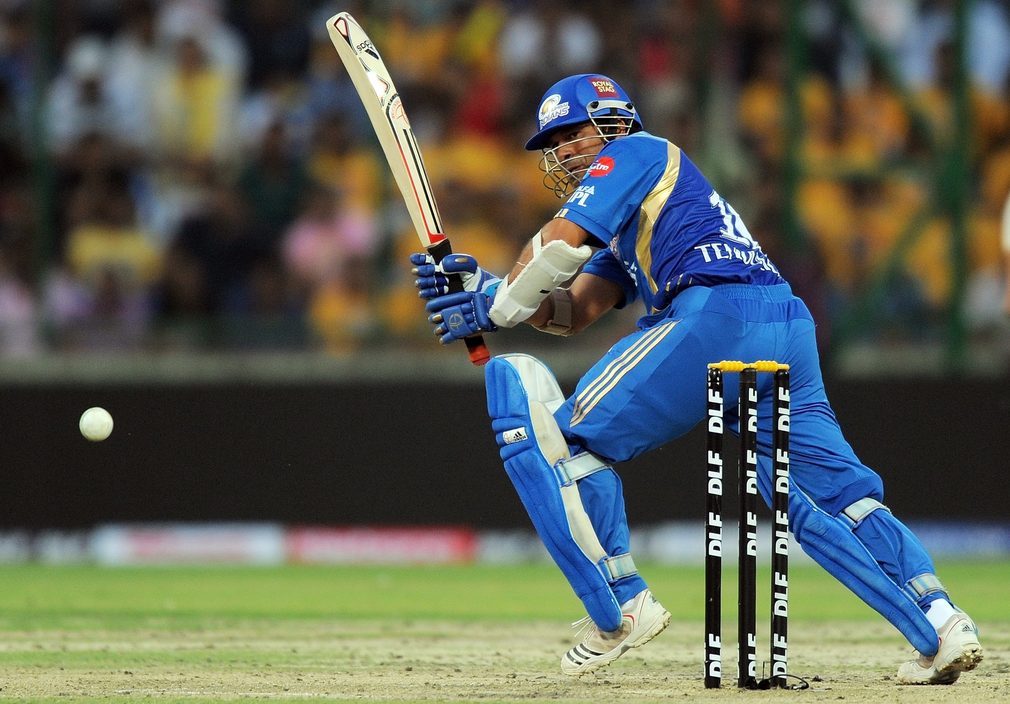 It was Sachin Tendulkar who decided to take center stage with the bat for his team as he finished the match on an unbeaten personal score of 46 and with 25 balls to spare. (AFP PHOTO)