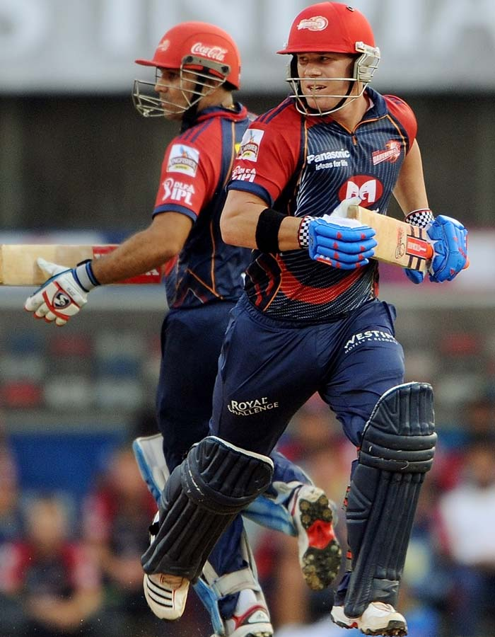 The Daredevils began their chase on a ferocious note as David Warner and Virender Sehwag flew off the grid with a barrage of shots, both grounded as well as aerial.