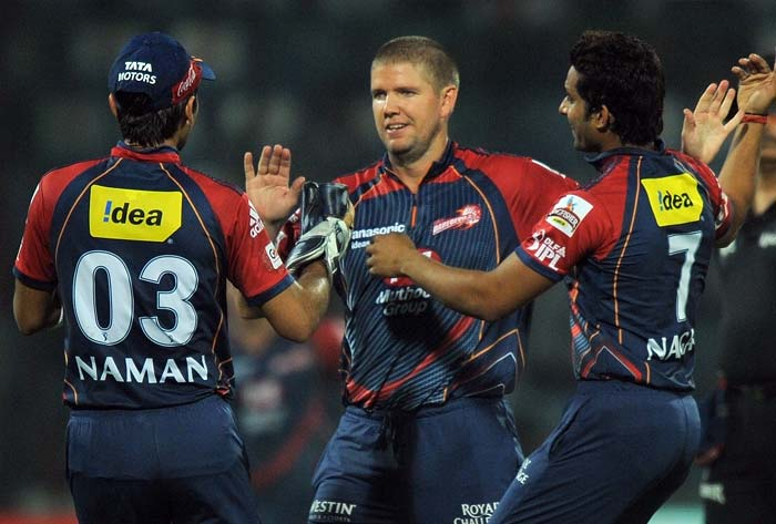 James Hopes had sent Hussey back after he had threatened with his 10-ball 20 with two sixes.