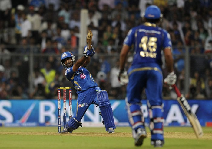 Delhi might have thought that they could restrict Mumbai after Pollard's dismissal but Rohit Sharma and Ambati Rayudu had other ideas. Rayudu hit a quick 24 off 8 balls while Sharma found his complete repertoire to take the score past 200. (BCCI Image)