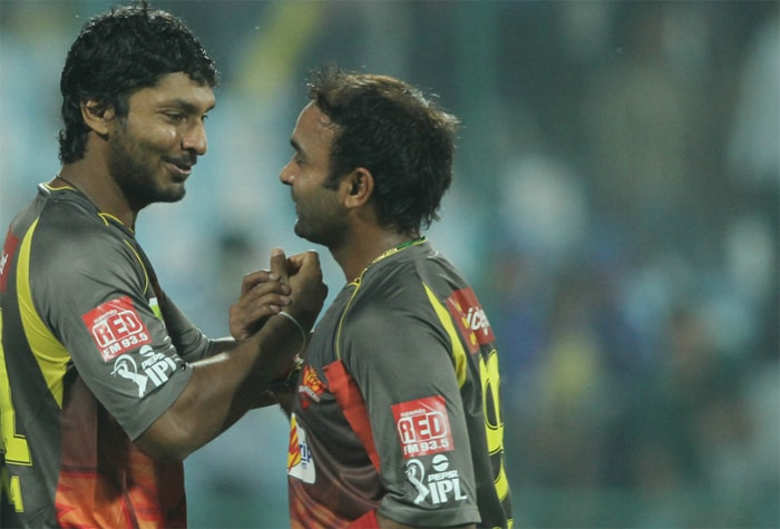 Sunrisers made heavy weather of a lowly total of 114 set by the Delhi Daredevils but eventually scraped through as Amit Mishra (16 off 14 balls) and Dale Steyn (9 off 5 balls) held fort at the fag end. Kumar Sangakkara being the top-scorer at 28, highlights the woes of Hyderabad batting. (BCCI Image)