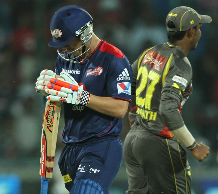 Hyderabad continued to pour misery on the struggling Delhi side with Dale Steyn accounting for possibly the home side's best batsman, David Warner, for a duck. The South African's ball swung in just a bit and his Warner's inside half of the bat to lob a simple catch to Anand Rajan at mid-on. (BCCI Image)