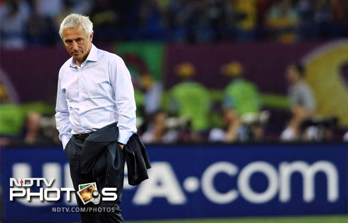 """""""We were really determined and I thought that we played even better than our opponents, but you have to score that goal,"""" rued Dutch coach Bert van Marwijk."""