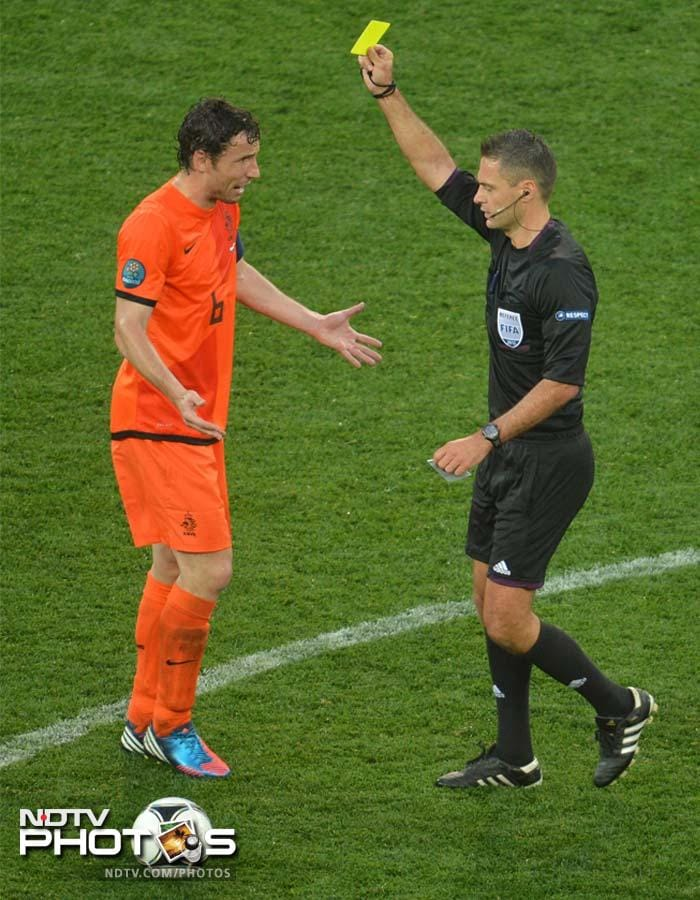 Known for their hard tackles and tendency to play a rough game, Netherlands, though, received just one yellow card in the match when Mark van Bommel was warned by the referee.