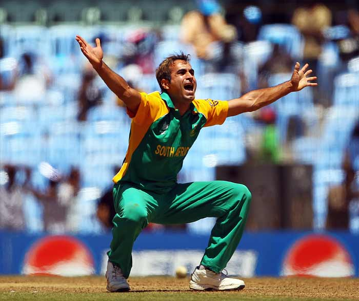 He has been there, done that. Imran Tahir played for Lahore Blues and Pakistan A before jumping the county-wagon for Middlesex. On the spin-friendly tracks of the sub-continent, he has raced away to become one of the highest wicket-takers.