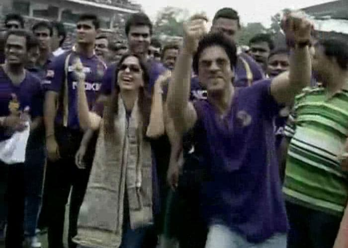 KKR owners Shah Rukh Khan and Juhi Chawla in a jovial mood at the felicitation ceremony.