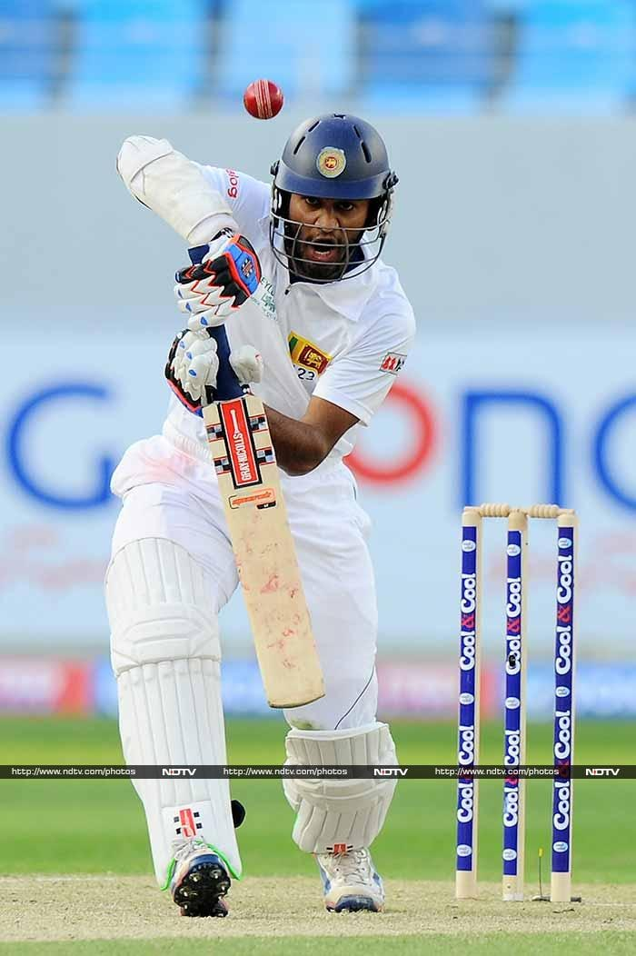 Karunaratne scored 32 as Sri Lanka ended the first day at 57/1.