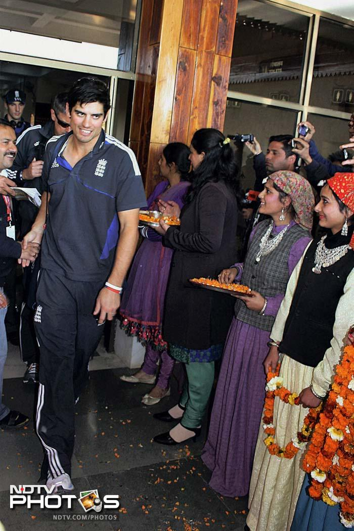 In his path would be Alastair Cook and his men. Local fans line up to catch a glimpse of their guests. (PTI image)