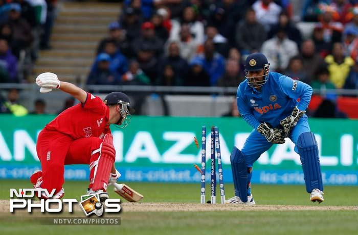 Under him, India tasted embarassing defeats in England and Australia earlier. There! Now that that is cleared away right at the start, here is taking a look at why MS Dhoni continues to be the most raved player, admired skipper and formidable for for the opposition.