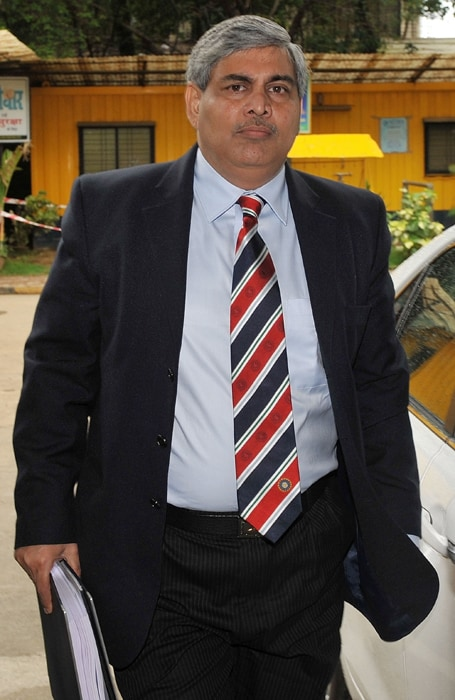 BCCI bigwigs including President Shashank Manohar and N Srinivasan are said to have attended the wedding.