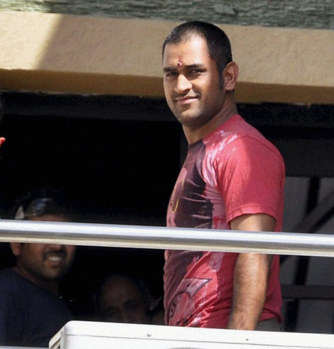 Dhoni's hair style was again changed and it was trimmed more. It is said that Sakshi likes short hair which prompted Dhoni to cut his hair short despite the famous advice by former Pakistan president Pervez Musharraf not to cut his tresses.