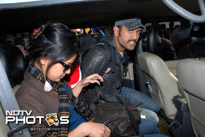 It is not just Sachin who took his wife for the Wimbledon. Dhoni too has taken Sakshi to many sporting events.