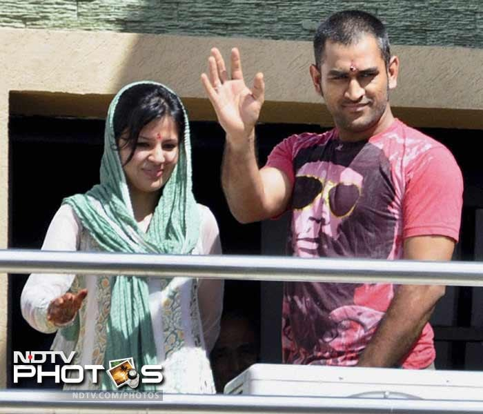 Already being called the first wife of Indian cricket, Sakshi Dhoni was quite unknown as the buzz around her began to grow. After all, Dhoni had previously been linked to well-known celebrities like Asin and Deepika Padukone. As the first images of the ceremony began floating in, many began appreciating Dhoni's ultimate choice as well.