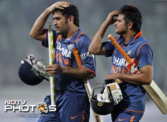 Team India describes MS Dhoni | cricket | Photo Gallery
