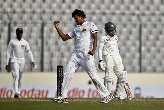 Sri Lankan seamers ruled the roost on Day 1 of the Test with Bangladesh being bowled out for 232 in 63.5 overs. Suranga Lakmal (in pic) picked up three wickets and Shaminda Eranga took 4 wickets in the first innings. Lakmal returned with three wickets in the second innings as well, ending the match as the most succeful bowler with six scalps.