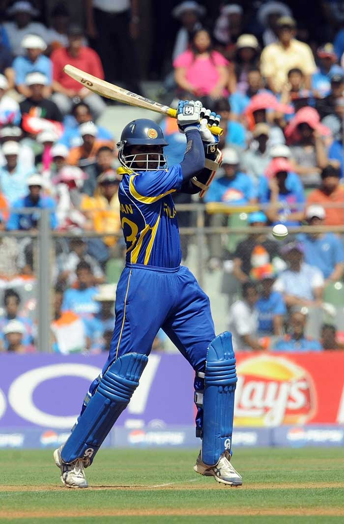Sri Lanka opener Tillakaratne Dilshan failed to score big in the World Cup final but with his score of 33 runs, he went past the 500-run mark in the tournament. He became the fifth player to achieve this feat in the World Cup tournament.<br><br>Sachin Tendulkar has done it twice in 1996 and 2003. Matthew Hayden, Ricky Ponting and Mahela Jayawardene are the others to achieve this feat. (AFP Photo)