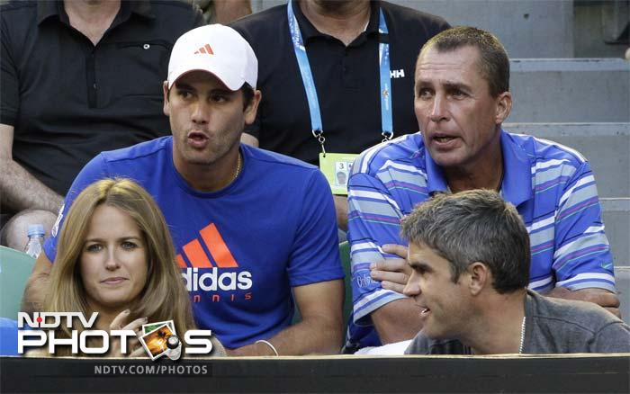 Murray had girlfriend Kim Sears, who had her own nervous moments, cheering him on.