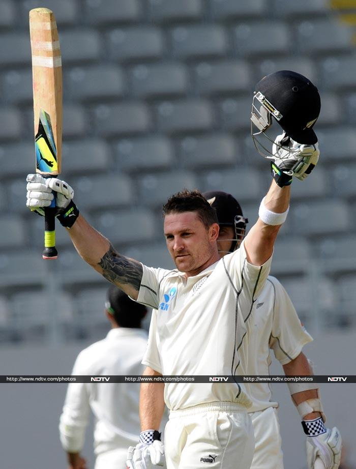 Brendon McCullum and Kane Williamson added 221 runs for the fourth wicket to put New Zealand at 329/4 on Day 1. (AP/AFP)