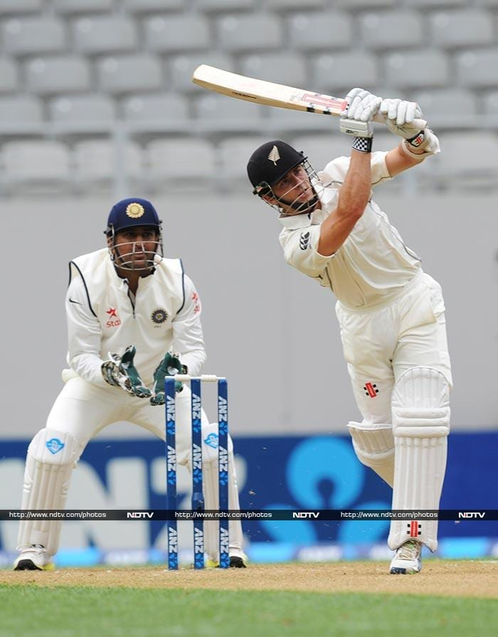 Kane Williamson lead the fightback as he played some good shots to the boundary.