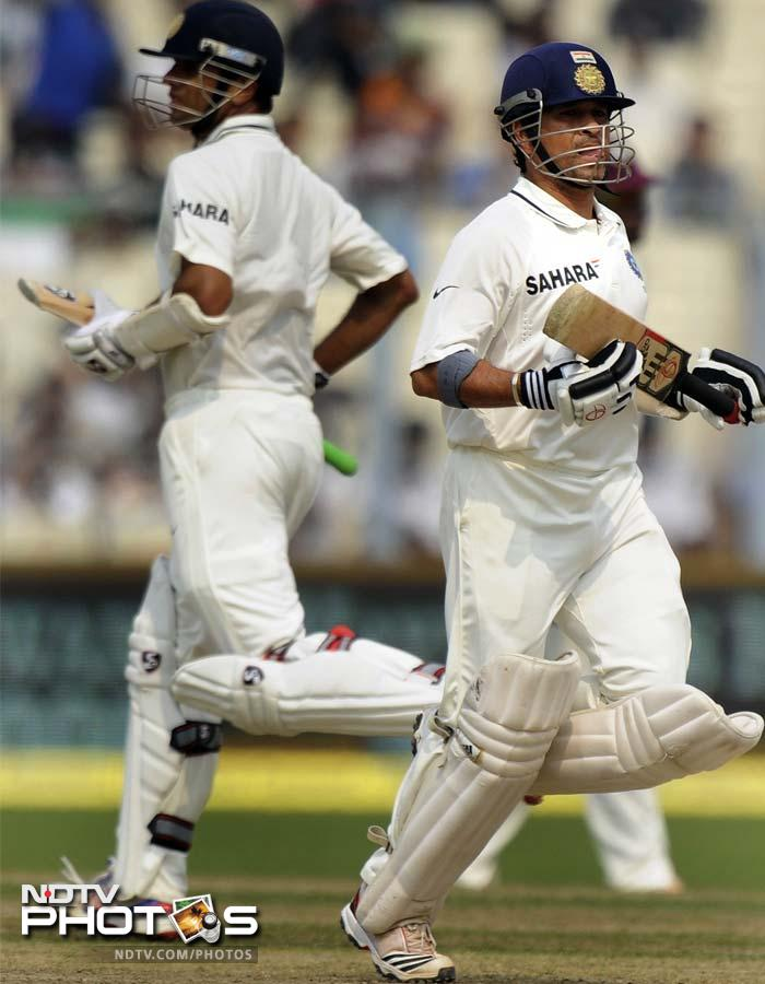 Most eyes were on Sachin Tendulkar who came to the middle once Gautam Gambhir fell. Tendulkar partnered Dravid and the two put on 56 runs for the 3rd wicket.