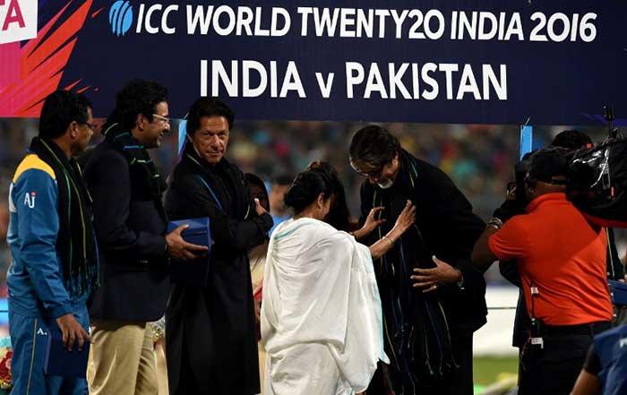 Eden Gardens Felicitates Imran Khan, Sachin Tendulkar
