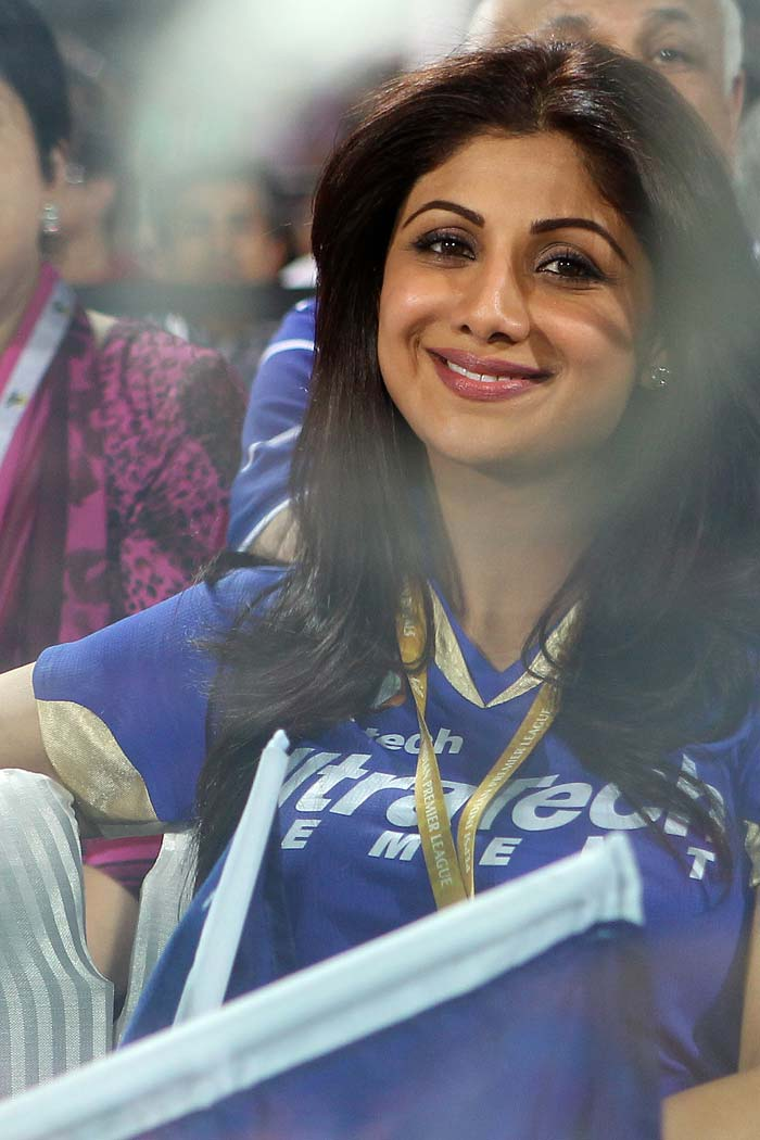 Shilpa Shetty was once again seen jumping and dancing at the Feroz Shah Kotla as she was releaved to see her side Rajasthan Royals win the 2013 IPL's eliminator against the Sunrisers Hyderabad. (BCCI image)