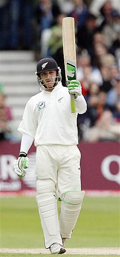 New Zealand's Brendon McCullum salutes the crowd as he reaches 50 runs on day three during their 3rd Test match against England, Trent Bridge Stadium, Nottingham on June 7, 2008.
